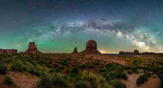 Monument Valley Under the Stars